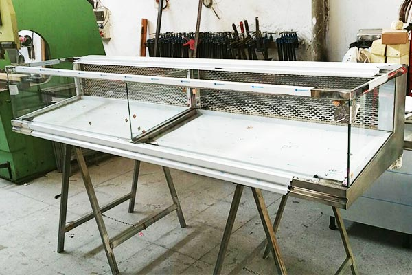 Proceso de Fabricación de Vitrina