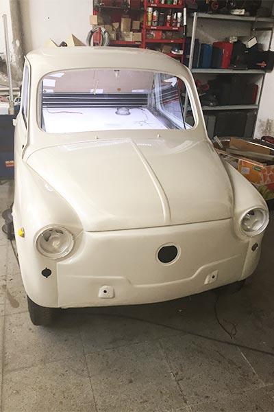vitrina en el interior del vehículo