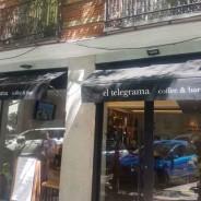Cafetería Telegrama: Mobiliario de acero inoxidable con fribarinox